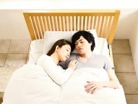「腕枕」が原因で病気になる!?