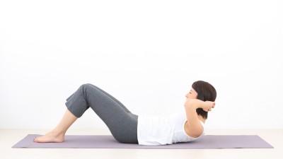 腹筋運動は「時代遅れ」? 腰を...