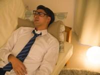 お酒を飲んで寝ると「いびきがウルサイ」のはどうして?