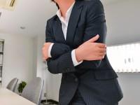 冷え性の女性は冬のオフィスも大変!「会社での冷え対策」