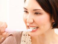 歯ブラシはやっぱり電動がイイ? 歯医者さんが薦めるのは