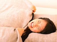 つった! 寝ていたら足がつるのはどうして?対処法は?