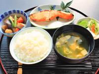 「健康寿命」を延ばす秘訣は「和食」にあり?
