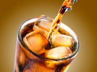 「コーラを飲むと歯が溶ける」は本当?