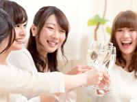 お酒はよく飲むけど顔は真っ赤に。 お酒に強いの?弱いの?