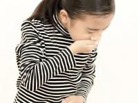 小さな子どもが突然何度も嘔吐する… 「周期性嘔吐症」について
