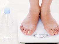 水の飲みすぎで体重が増える? 「水太り」の本当の意味