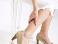 足のむくみが気になったら、こんな病気の可能性も!