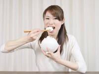 ひたすら食べるだけ?「 むちゃ食い障害 」とは