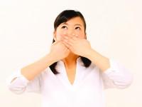 なんでもないのに舌がピリピリ…「舌痛症」の可能性も