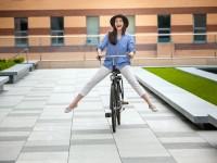 子どもの送り迎えで脚が太くなる?!美脚をつくる自転車の乗り方のコツ