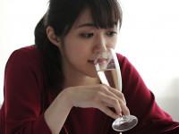 ワインのちびちび飲みは要注意!「酸」で歯が溶ける『酸蝕歯』